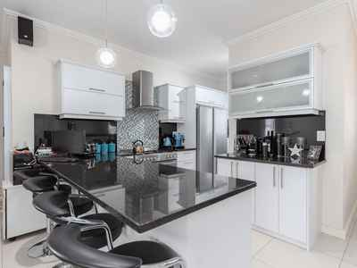 3 Bedroom Apartment For Sale In Parklands North - gallery_image1.jpg